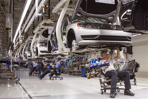 Volkswagen Chattanooga Jobs >> Volkswagen To Add 2 000 Jobs In Tennessee Manufacturing Net