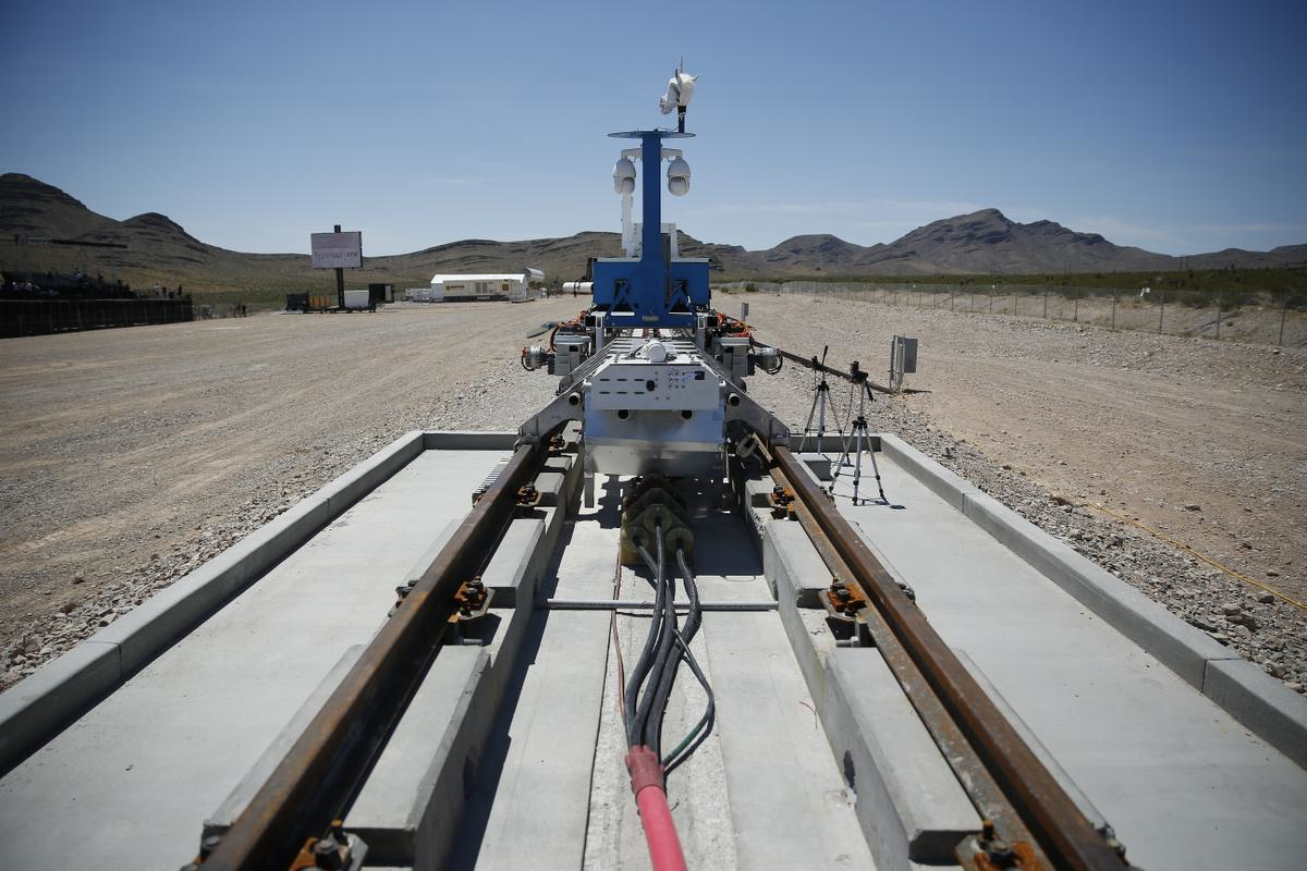 Hyperloop One Shows Off Super High Speed Propulsion Technology Manufacturing Net